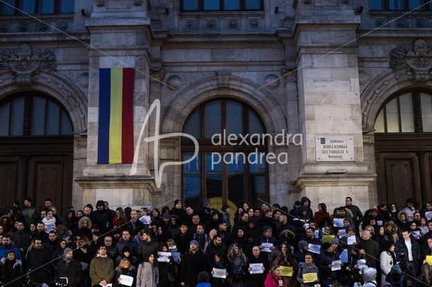 Protest al magistratilor din Bucuresti – Alexandra Pandrea Shop